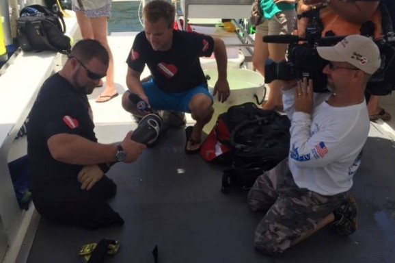 Wounded warriors tend to ailing Florida coral reefs