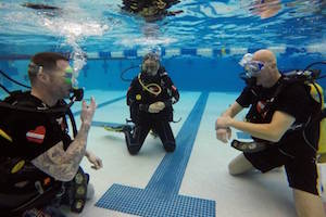 Suburban diving program gives veterans pain relief, teamwork
