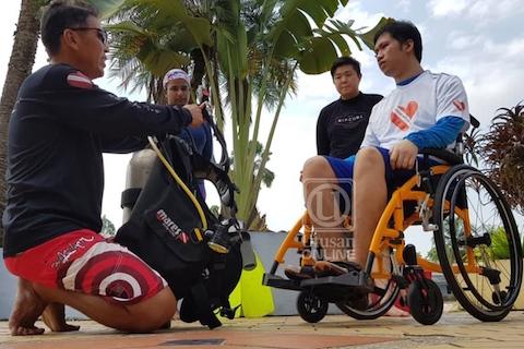 Sarawak, Malaysia: Pengalaman menyelam skuba oleh pesakit patah tulang belakang (video)